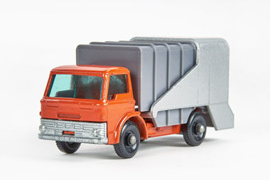 Matchbox 7 Refuse Truck