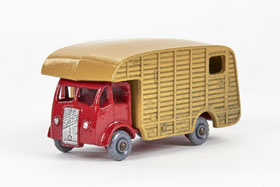 Matchbox 35 Marshall Horse Box